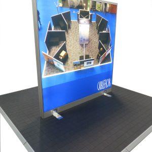 freestanding zoom screen